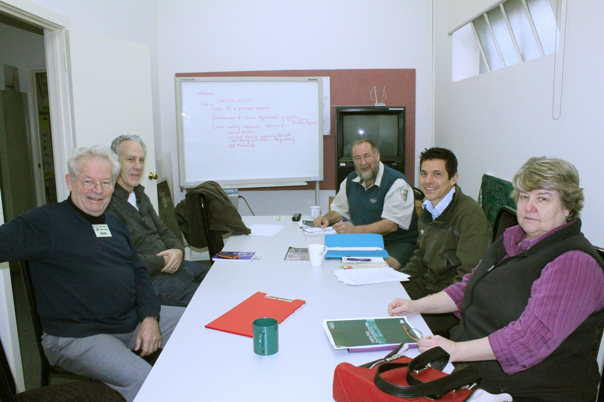 Initial planning meeting to discuss the development of a formal agreement between PV and DVNC (DVMS), to utilise the former MMBW sheds in Braeside Park. Attending were Regional Manager Victor Teo and Des Lucas Senior Ranger (PV), Pam Gates (DVNC), Warren Duncan (President DVMS), David Madill & John Prestt (DVMS committee members)  Date: Thursday‎, ‎July‎ ‎4‎, ‎2013